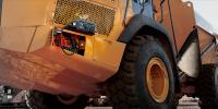 GB500+ 12V and 24V portable lithium industrial strength starter for commercial vehicles jump starting dump truck